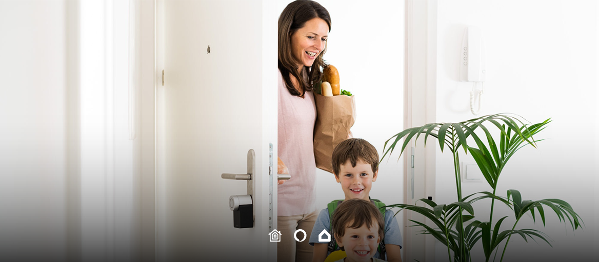 Your smart home starts at the door. Combine Nuki smart lock with a KNX home and gain control.